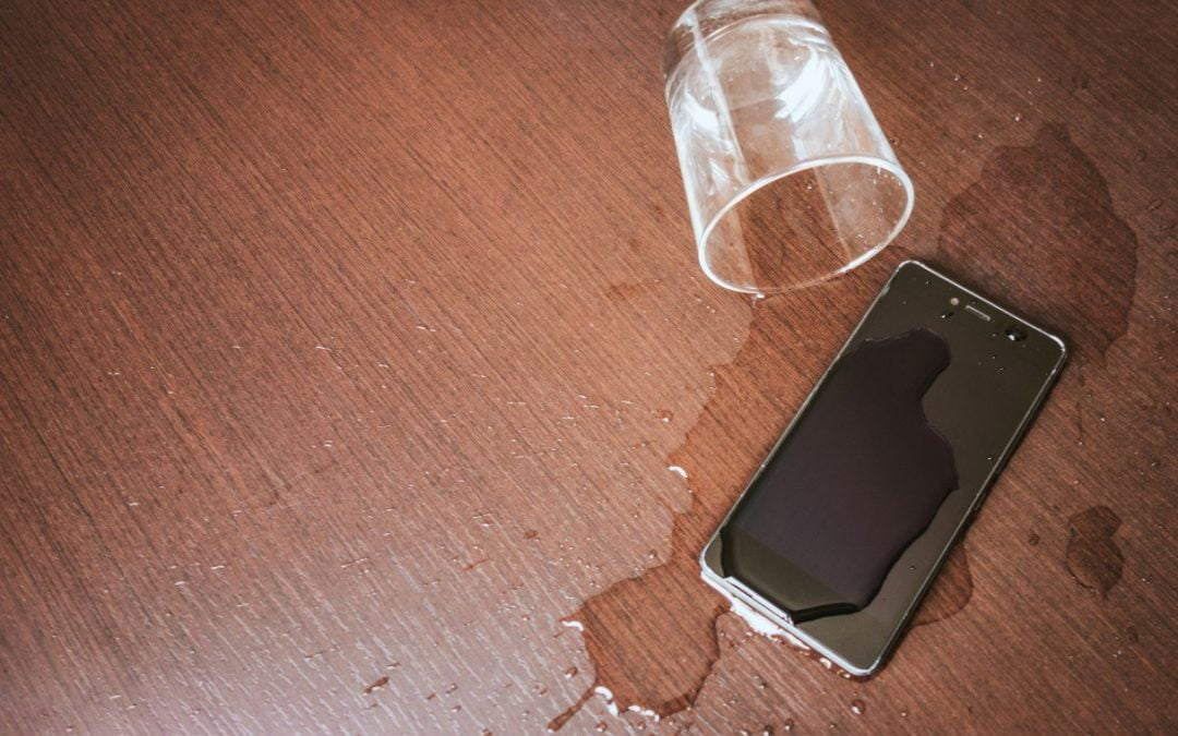 What to Do If You Get Your Cell Phone Wet